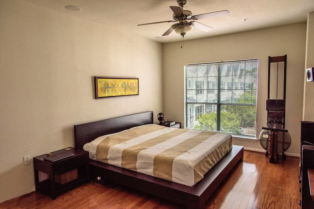 Bedroom with an incredibly comfortable king size bed