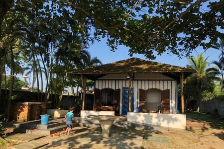 Casa frente p/ o mar p/ temporada, Perequê-Guarujá