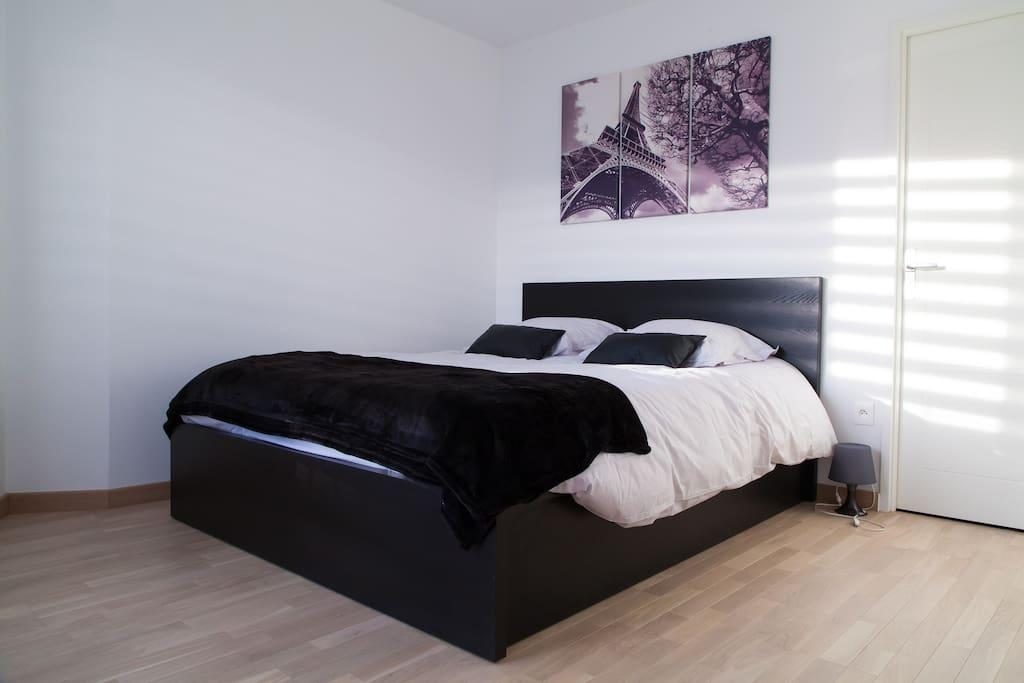 chambre lit queen size
