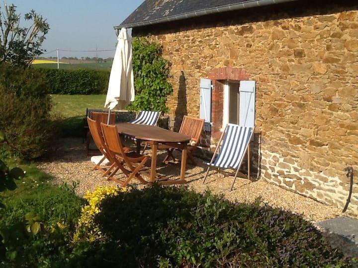 Jolie petite maison bretonne 4 personnes