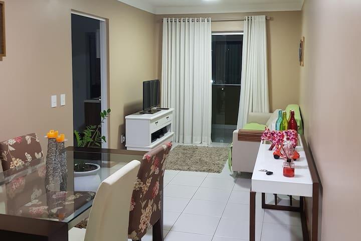 Apartamento confortável e bem localizado!