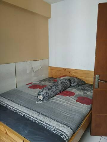 Disewakan apartemen kecil dan nyaman.