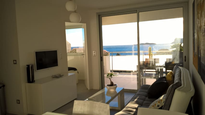 Nice appartment close to the sea