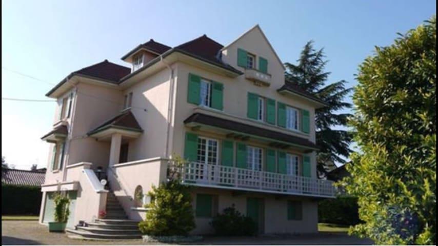Chambre pour 2 personnes - Villars-les-Dombes
