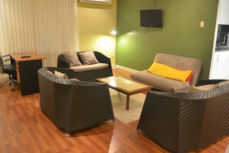 Tanaya Homestay - Kuala Kencana - Haus