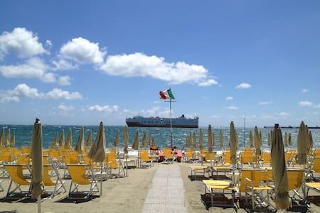 Bilocali perfetti 10 metri dal mare - Albissola Marina
