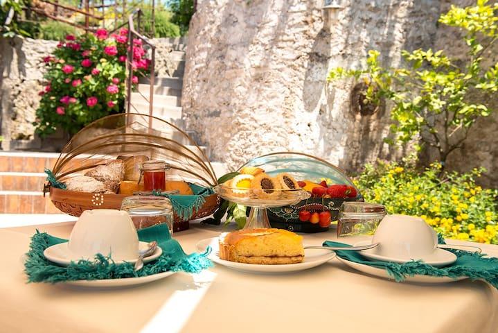 Giu al Mulino b&b a 10 minuti da Salerno - Pontecagnano Faiano - Bed & Breakfast