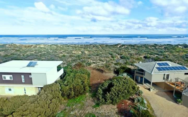 Dune House - absolute beachfront, stunning views