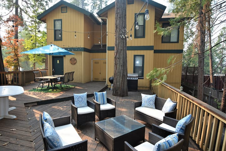 **New Listing**Cozy Bass Lake Home Just Minutes from Yosemite National Park - Sleeps 8