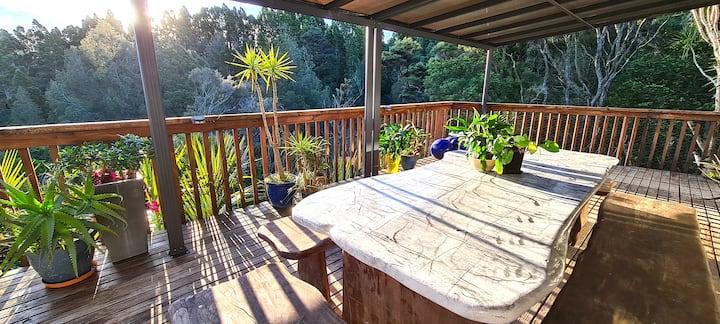 Single Room in Executive home around native bush
