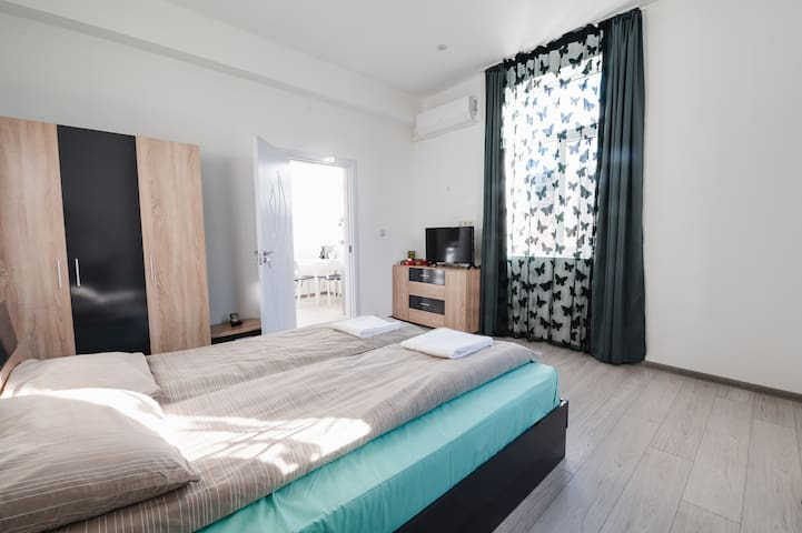 Cozy apartment in Central Sofia private parking
