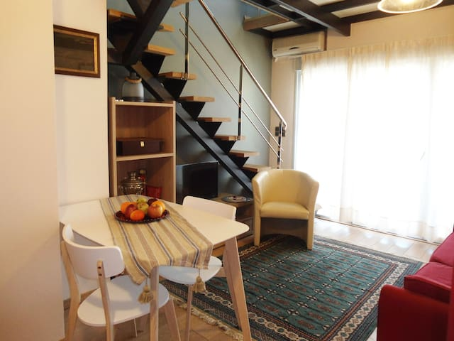 chania central apt with sea view
