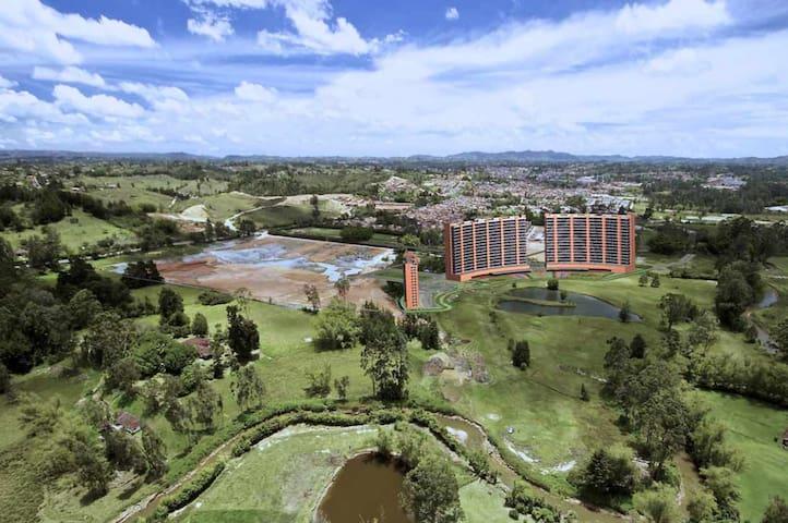 Gorgeous Condo near Int. Airport w Amazing View - Rionegro - Huoneisto