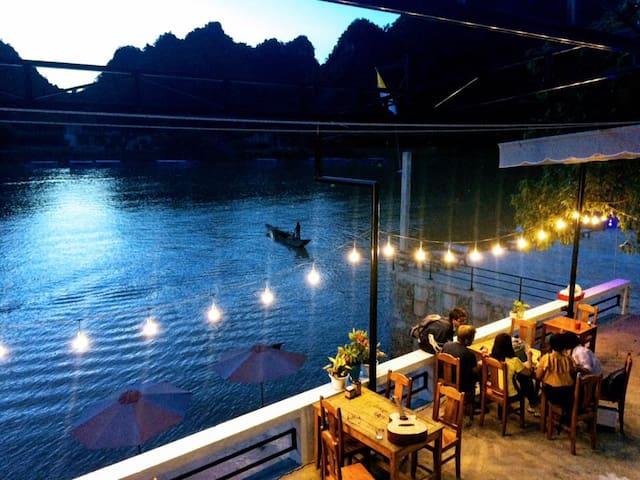 Beautiful Riverside - Double Room