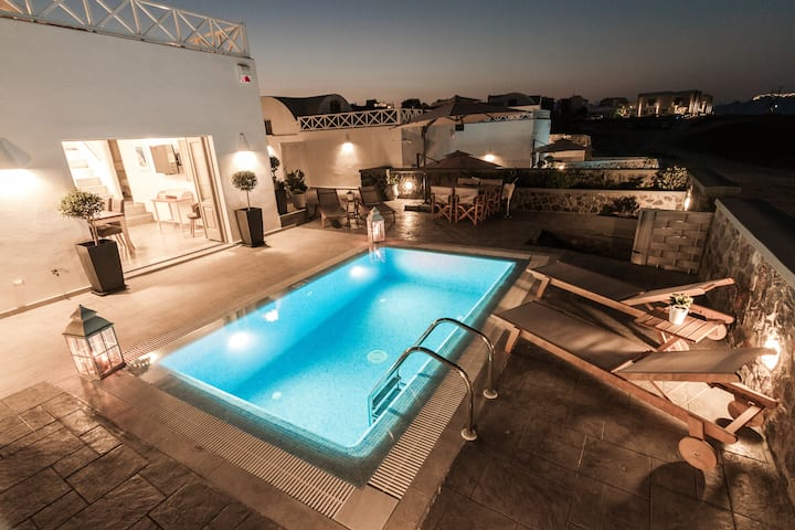 New luxurious villa prive pool, Akrotiri Santorini