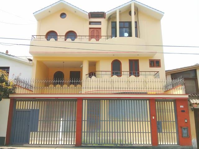 Hospedaje en Casa en La Molina Nueva