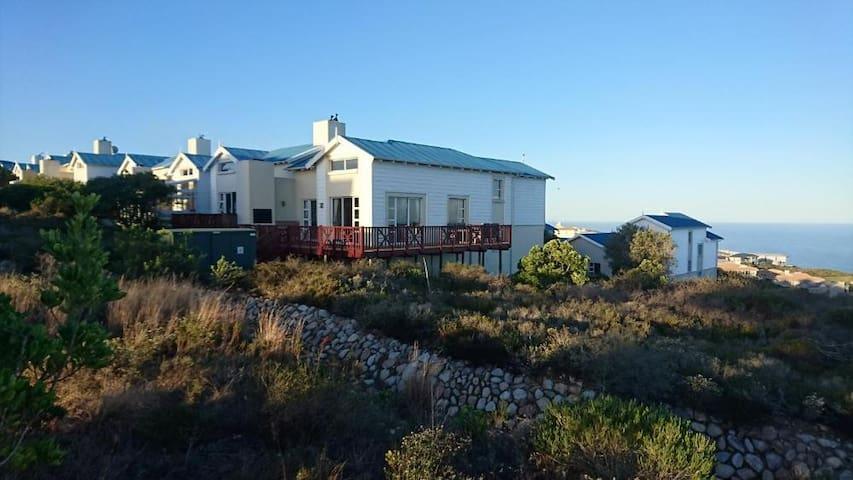 Luxury Golf Lodge 106  (Sea View / Sleeps 5)