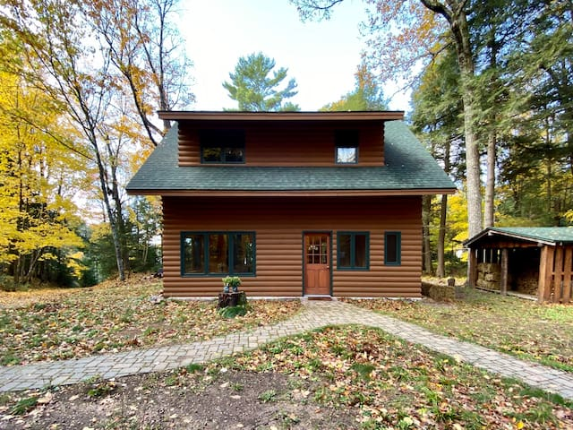 Up North Gem on Diamond Lake in Bayfield, County