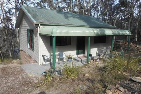 Mountain Hideaway bungalow