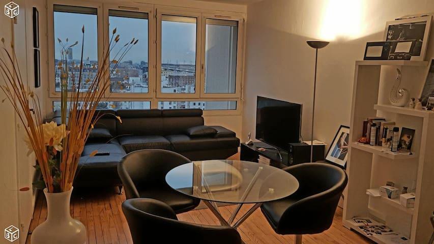 Chambre dans un appartement confortable