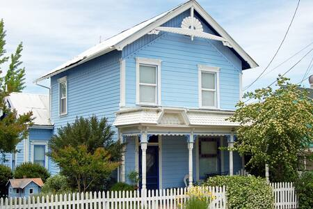 The Fournier House -- 1870 Victorian off Main St. - Sutter Creek - House