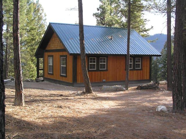 Whispering Pines, Flathead Lake Cabins