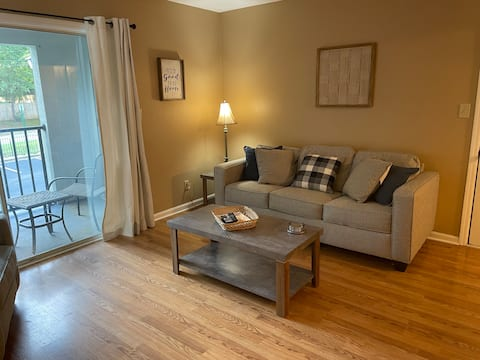 601 N Gay Street AU Apartment 2/2 Pets Welcome!