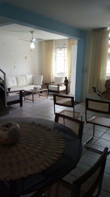 Sala 3 ambientes: estar, jantar e TV