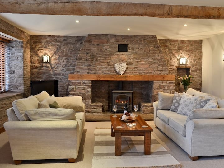 Ty Gwilym; a beautiful Brecons barn conversion