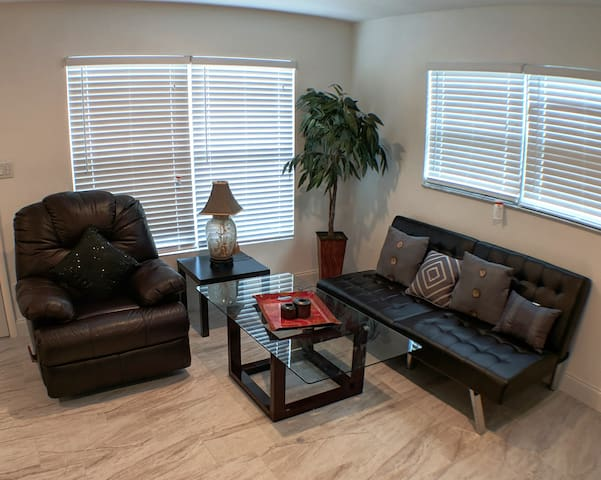 Sarasota Downtown All Inclusive Town house !!!
