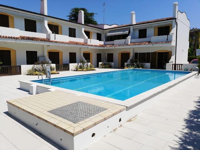 Jesolo appartamento centrale con piscina