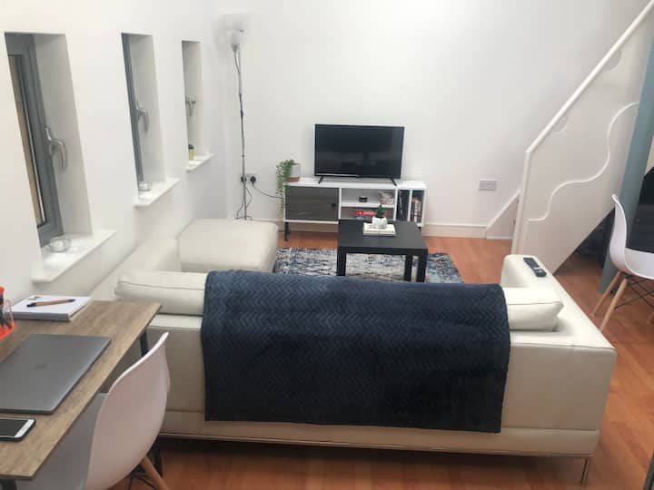Airy Mezzanine Penthouse in Leeds City Centre