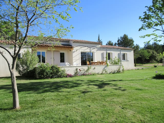 Agréable villa en Provence - Lambesc - Villa