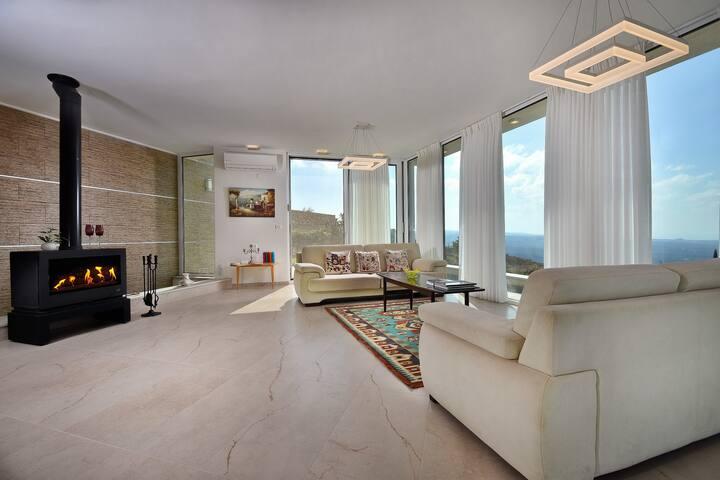 Premium Private Suite at Gili's Luxury Villa