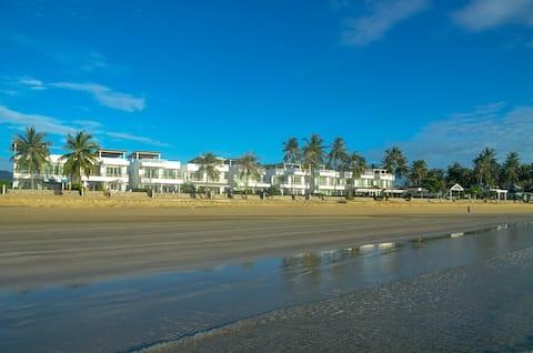 Absolute Beachfront Luxury Villa