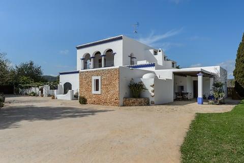 Villa Cases Altes d'Arabí