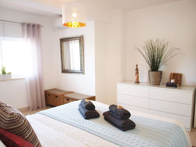 Nice and cozy apartment close to the beach - Olhos de Água - Daire