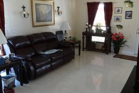 Comfy Home - Royal Palm Beach