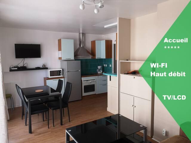 Appartement Cosy, WIFI : quartier UCO/gare/centre
