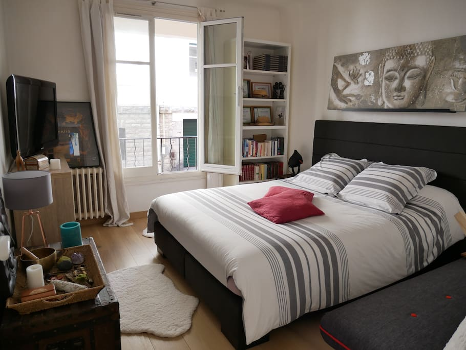 biarritz centre lit queen size plage 3 mn pied appartements louer biarritz aquitaine. Black Bedroom Furniture Sets. Home Design Ideas