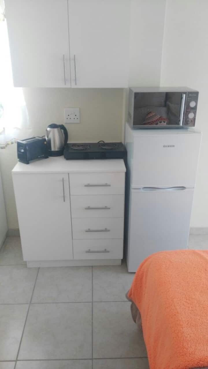 Self Catering Bachelor Apartment