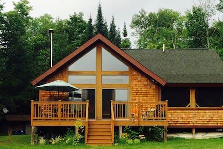 Camp Garnet Hill - North River - Haus