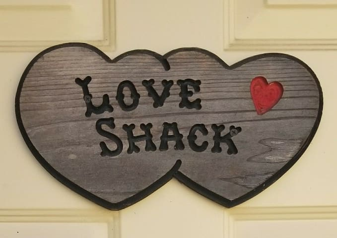 The Love Shack~ In beautiful Wine Country