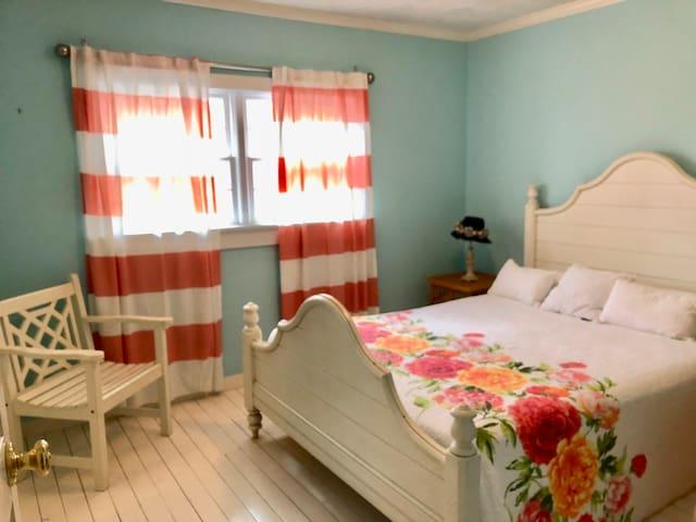 Master bedroom , queen bed , large closet