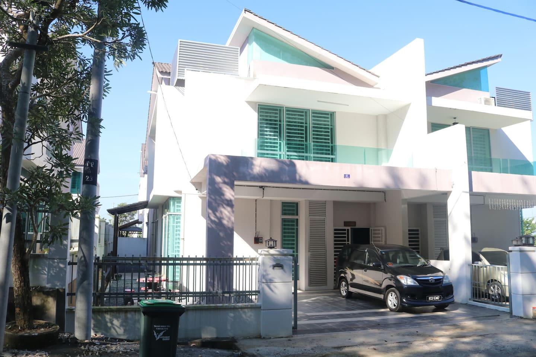 Rumah Semi-D dua tingkat