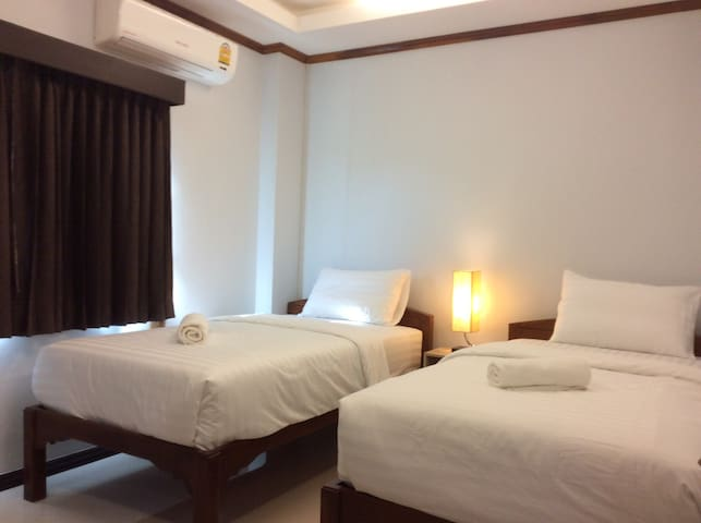 Deluxe Twin bedroom with A/C - Mueang Sukhothai - Leilighet