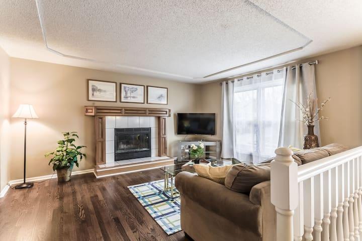 Large single family house in great neighborhood!