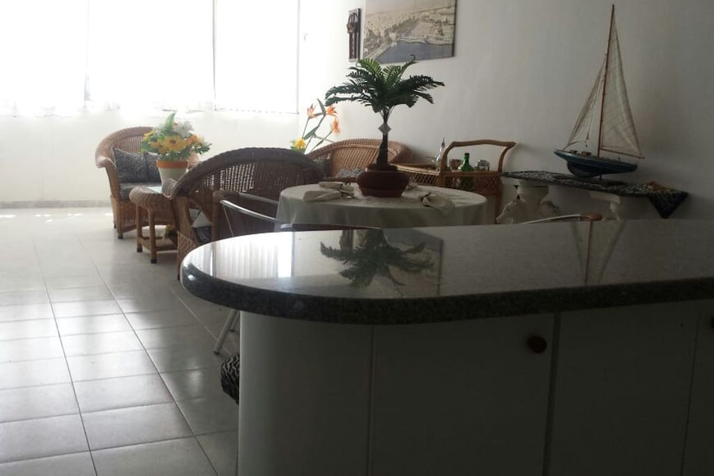sala comedor  equipada con aire acondicionado