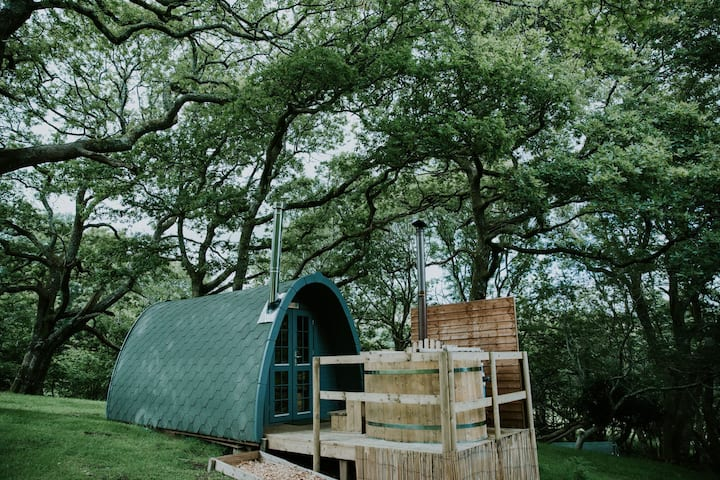 The Willow Eco glamping pod with hot tub