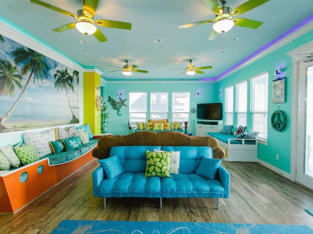 First floor living room, Truly amazing!